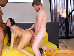 Fake tits wife Simony Diamond fucked by her husband and a black guy