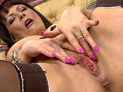 Brunette mature Marie-christine Chireix pleasures her pussy