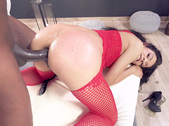 Nothing is as good for Sandra Soul as playing with a black shaft