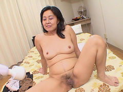 Fingering leads to fucking with horny Asian mature Mako Anzai